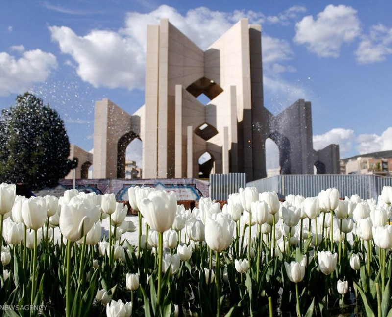 иран тебриз мавзолей поэтов
