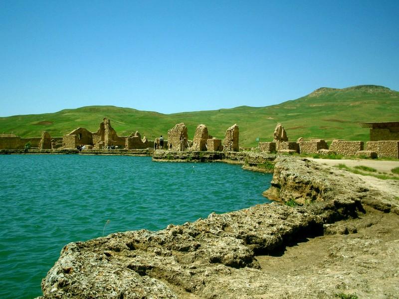 иран трон соломона тахт-е солейман