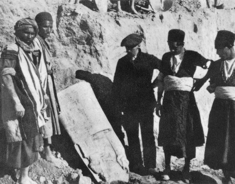 Археолог Жак де Морган на раскопках в Сузах