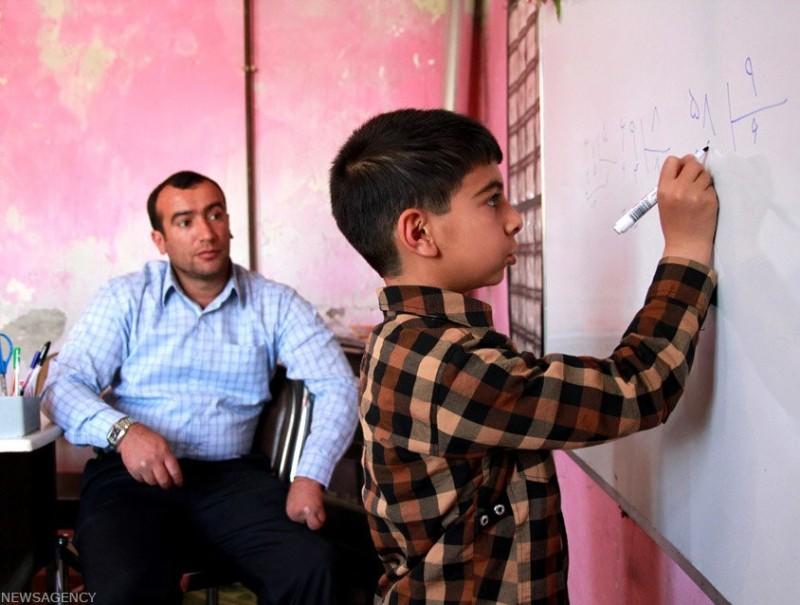 школа учитель иран