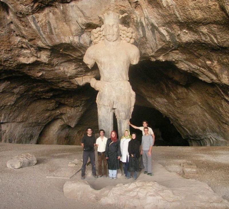 иран бишапур шапур сасаниды колосс статуя