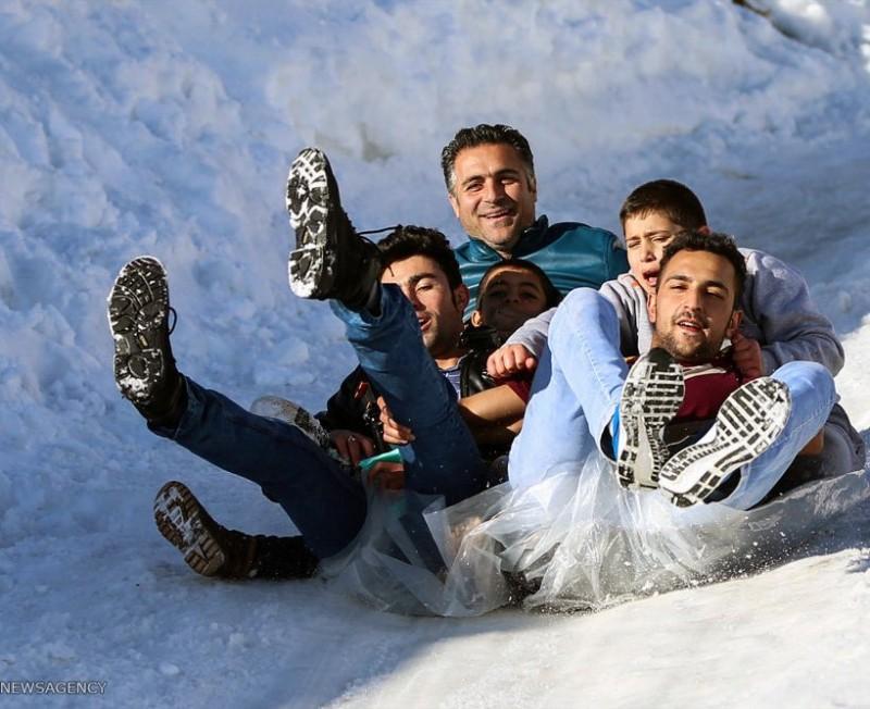 иран снег снегопад катание с горки