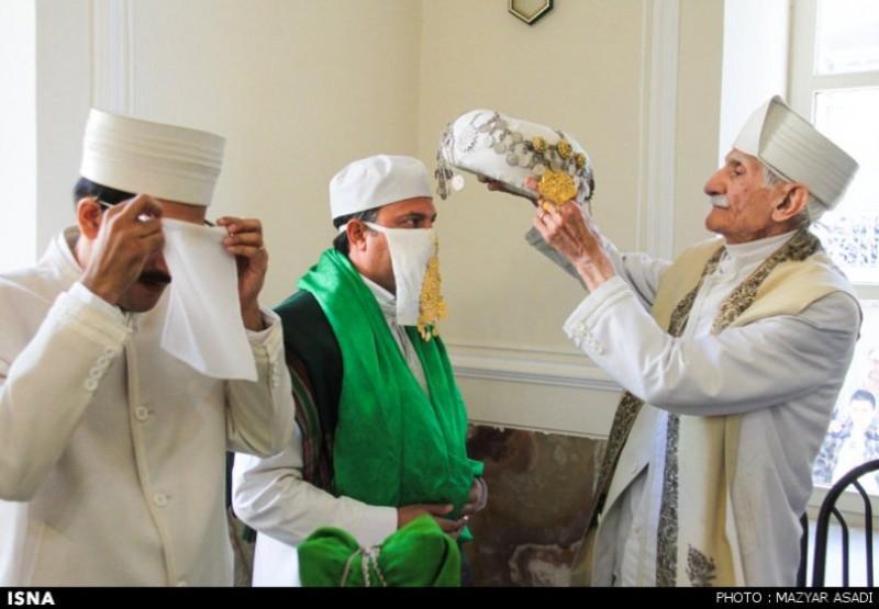 Церемония в зороастрийском храме Тегерана, Иран