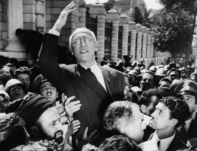 Премьер-министр Ирана Мохаммад Мосаддык
