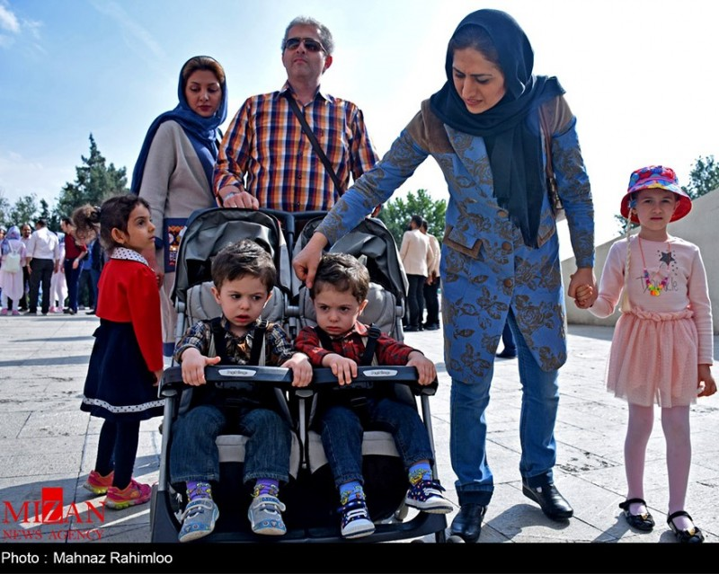 иран демография семья дети близнецы иранское общество